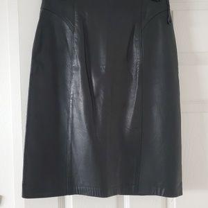 Black Leather Pencil Skirt 🖤 Vintage Bagatelle